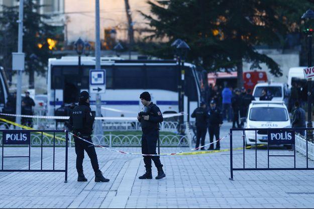 L'attaque a fait au moins 10 morts.