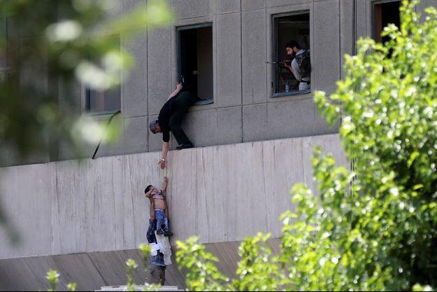 Le Parlement iranien a été attaqué à Téhéran.