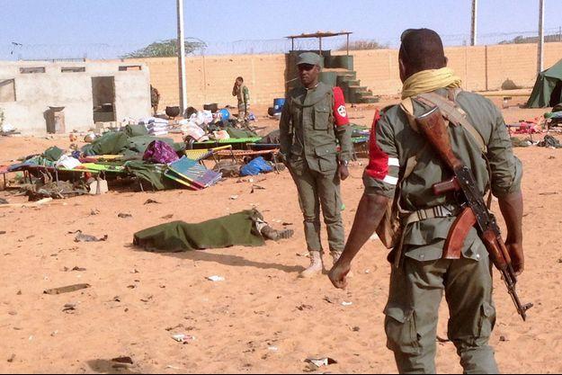 L'attentat-suicide a visé des combattants des groupes armés.