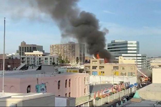 Le feu s'est déclaré dans un commerce qui vendait du tabac et des produits de vapotage.
