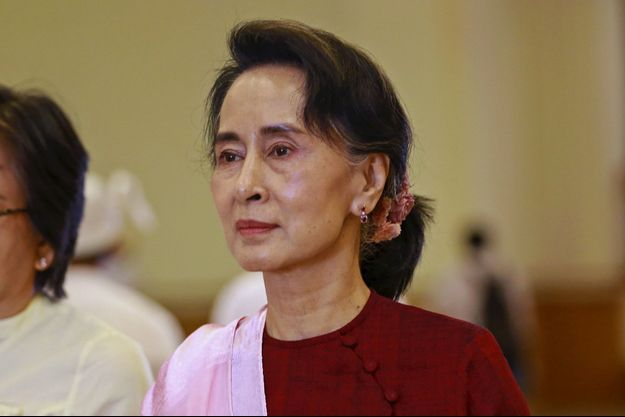 Aung San Suu Kyu, la grande absente de la grande parade.