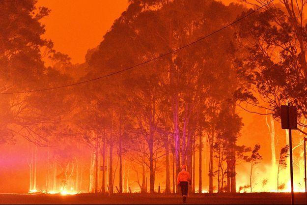 Un pompier en Australie (image d'illustration).