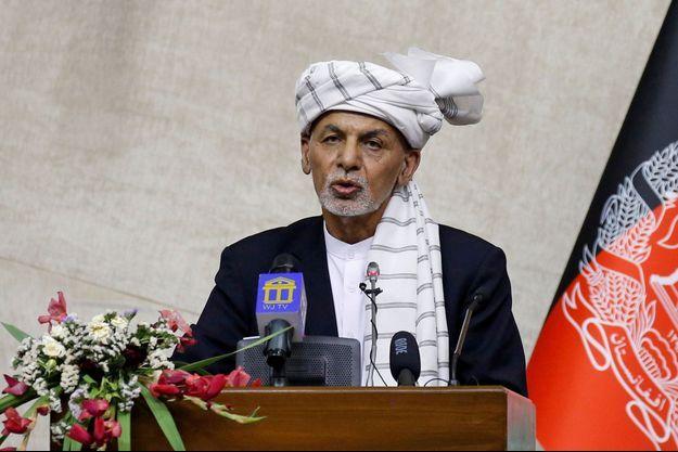 Le président afghan Ashraf Ghani au Parlement à Kaboul le 2 août 2021