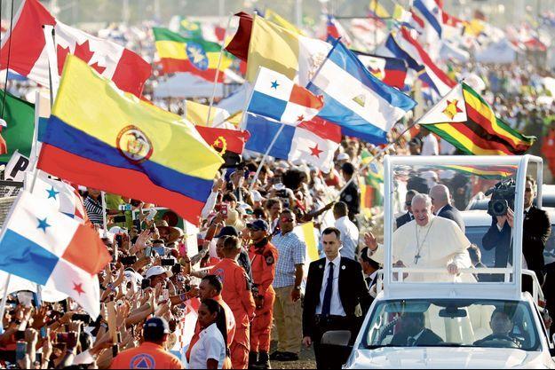 Le pape François à Panama City, dimanche.