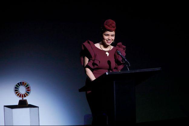 Aya Chebbi lors de la remise du prix.
