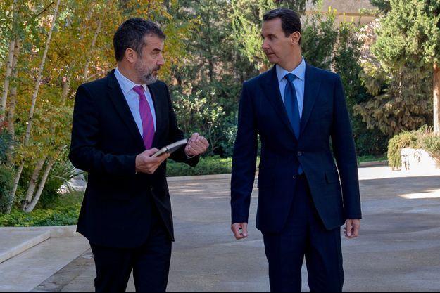 Après l'interview dans les jardins de l'ancien palais présidentiel, avec Régis Le Sommier, directeur adjoint de la rédaction de Paris Match.