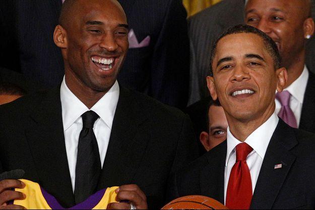 Barack Obama et Kobe Bryant en 2009.
