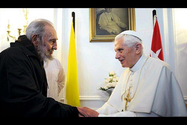 Mercredi 28 mars, La Havane, à la nonciature apostolique. Lors de leur entretien, Fidel Castro, 85 ans, et Benoît XVI, bientôt 85 ans, ont plaisanté sur leur grand âge. « Je suis vieux, a confié le Souverain Pontife, mais je peux encore faire mon devoir ! »