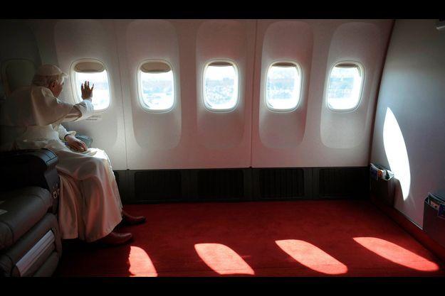 En 2008, Benoît XVI arrive à Washington.