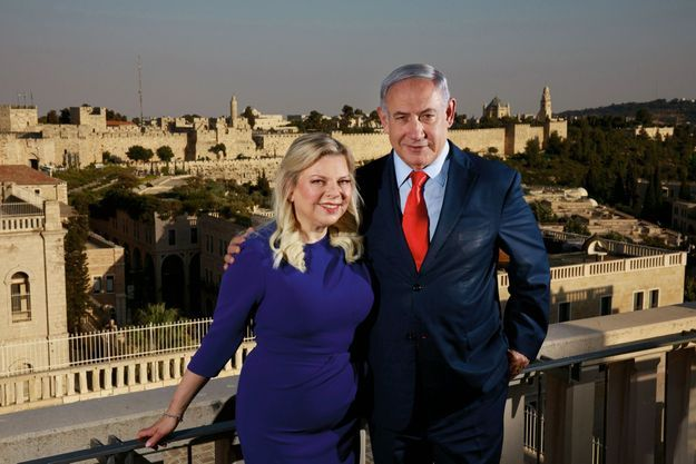 Le 1er septembre, sur la terrasse de l'hôtel Mamilla, devant les remparts de Jérusalem.