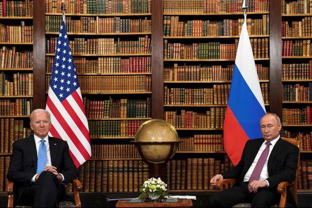Joe Biden et Vladimir Poutine lors du sommet Etats-Unis - Russie, à Genève, mercredi 16 juin 2021.