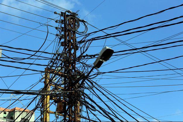Des câbles électriques, au Liban. Image d'illustration.