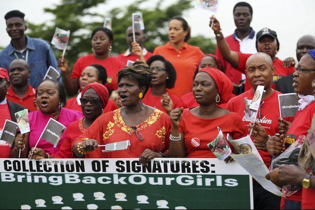 Des Nigérianes ont manifesté le 6 juin dernier à Lagos contre les enlèvements de jeunes filles au nord-est du pays.