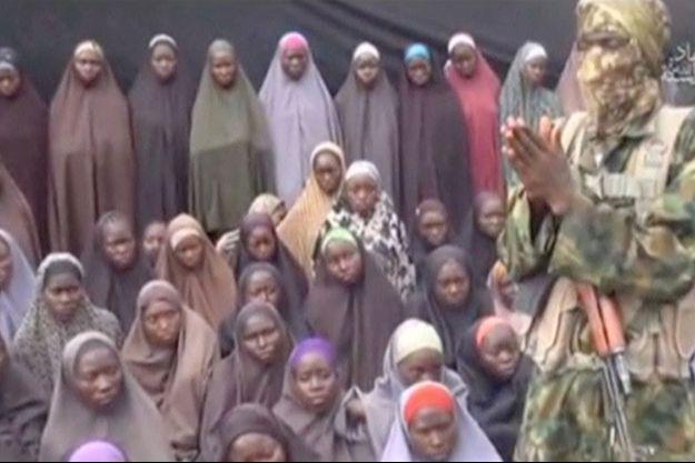 Les jeunes filles qui apparaissent sur la vidéo sont présentées comme étant celles enlevées par Boko Haram à Chibok.