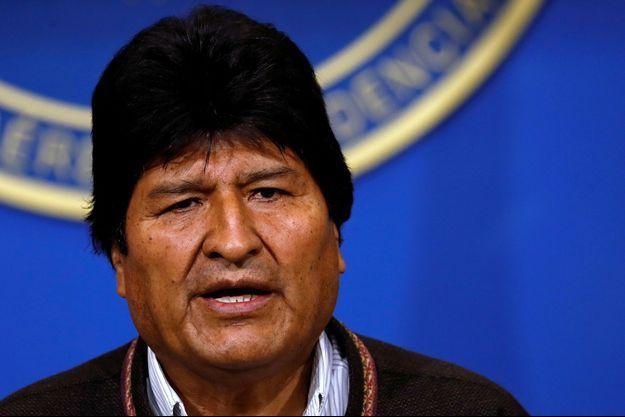 Le président Evo Morales devant les médias, le 10 novembre, à El Alto.