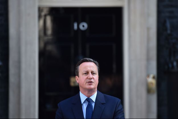 David Cameron, devant le 10 Downing Street