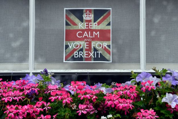 Les partisans du Brexit affichent leur vote sur les fenêtres de Londres