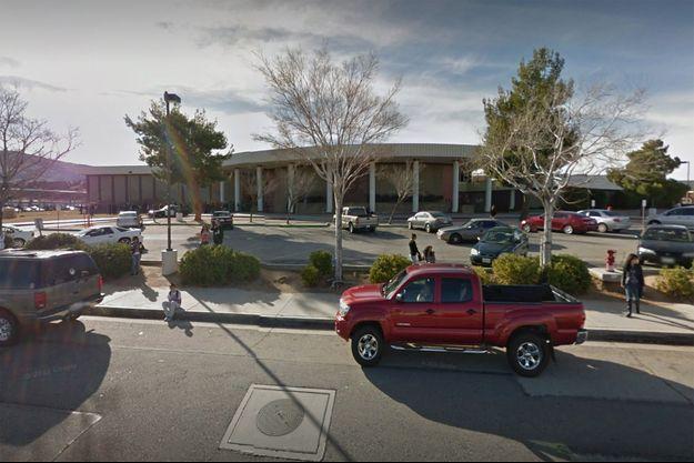 Le lycée Highland High School de Palmdale sur Google Street View.