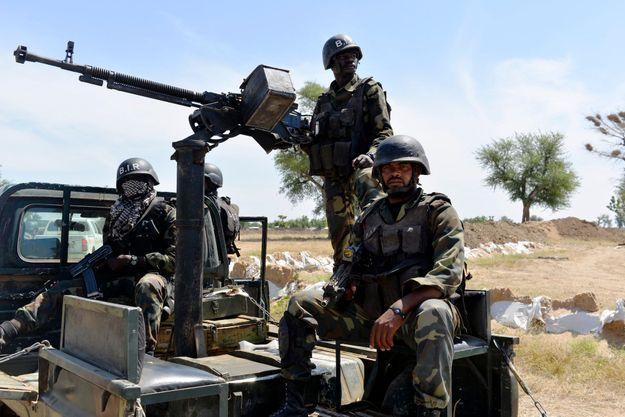 Soldats camerounais à Amchidé au Cameroun, en novembre 2018