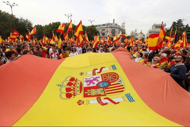 Les partisans d'une Espagne unifiée, samedi.