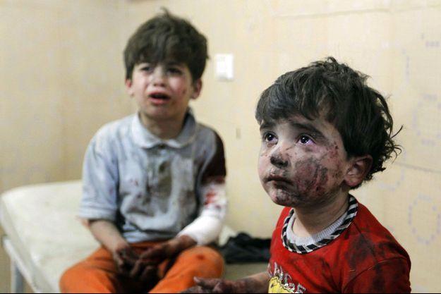 Deux enfants se trouvent à l'hôpital, après ce que les activistes ont décrit comme une attaque des forces loyales au président syrien Bachar El-Assad.
