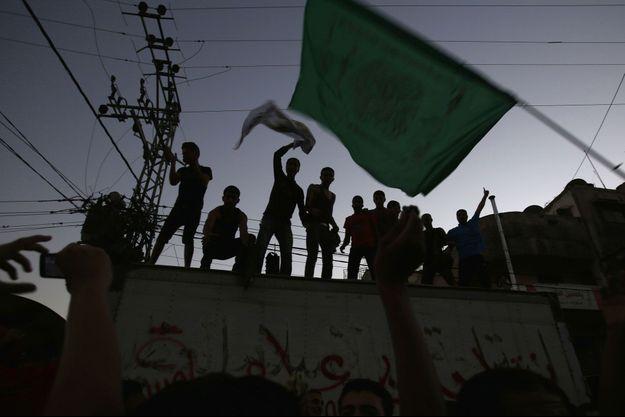 Des Palestiniens célèbrent le cessez-le-feu