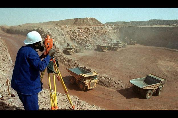 Mine a ciel oeuvert d'uranium, à Arlit, au Niger