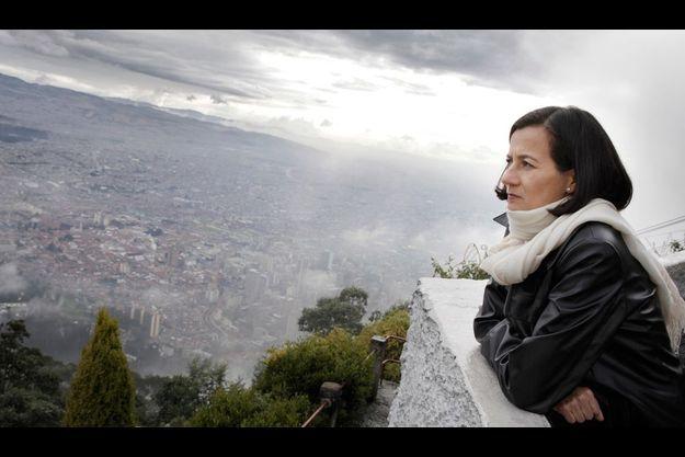 Pélérinage à Monserrate. Une visite à la Vierge noire, sous la protection de laquelle Clara s'était placée au coeur de la jungle. C'est à 3152 mètres, la plus belle vue sur Bogota.