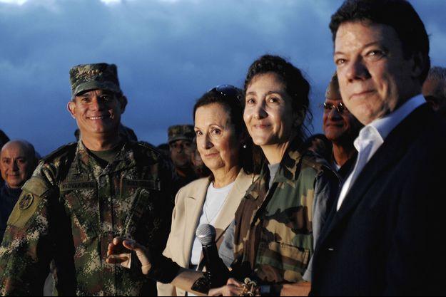 Ingrid Betancourt (avec sa mère Yolanda) après sa libération en juillet 2008