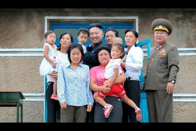 Kim Jong-un en visite dans une famille nord-coréenne le 19 août 2012