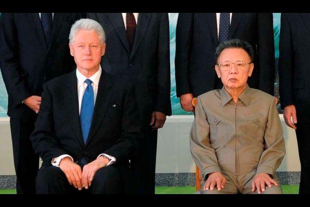 Bill Clinton et Kim Jong Il.