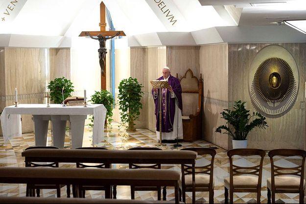 Le pape François a donné une messe retransmise en vidéo.