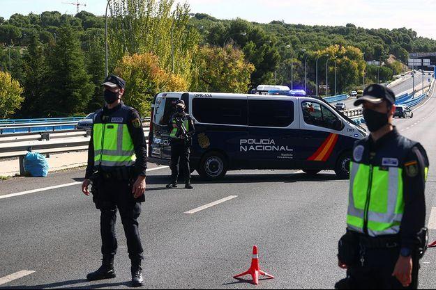Un contrôle autoroutier aux environs de Madrid.