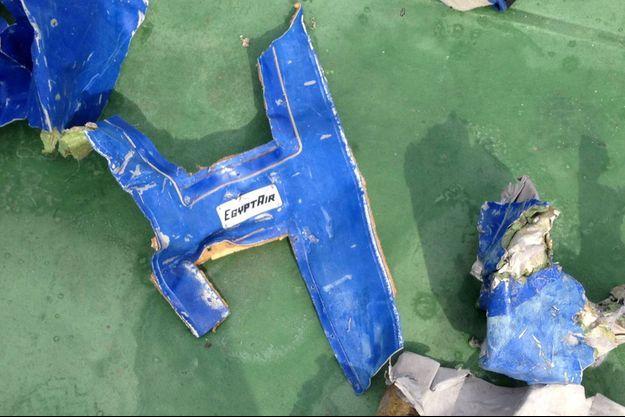 Des débris de l'avion d 'Egypt Air