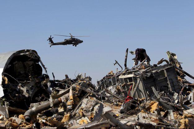 Des débris de l'avion ont été retrouvés dans le désert du Sinaï.