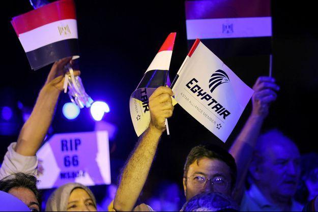 Un rassemblement pour les victimes du vol MS804, au Caire, en Egypte, en mai 2016.