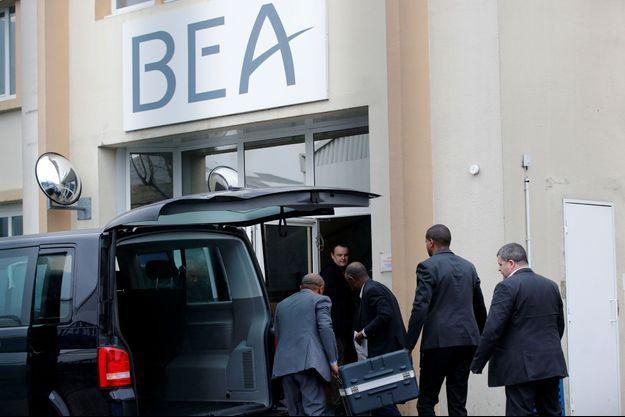 Le Bureau d'enquêtes et d'analyses français a réceptionné les boîtes noires réceptionnées par les enquêteurs français.