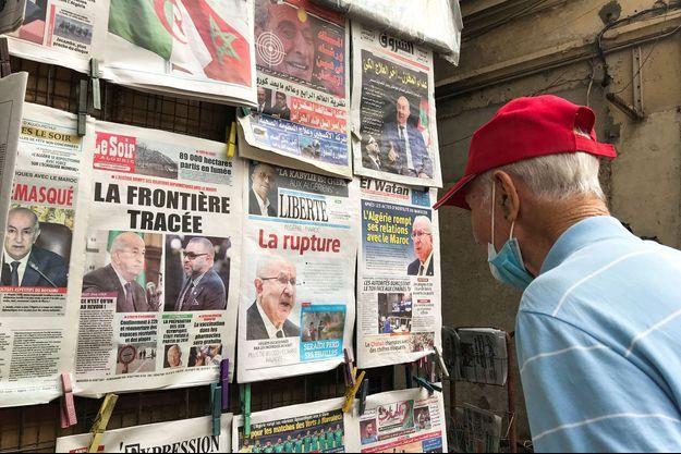 """La """"rupture"""" entre l'Algérie et le Maroc fait la une des journaux algériens."""