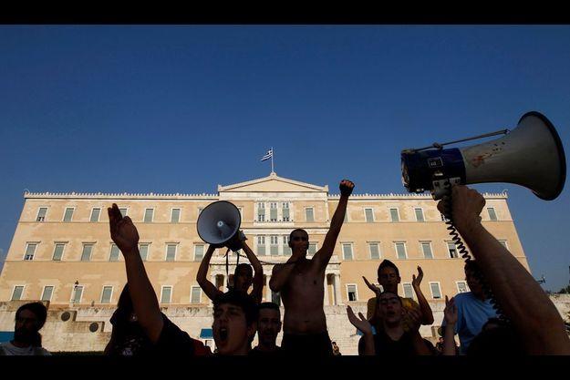 Manifestation devant le Parlement à Athènes, le 17 juin.