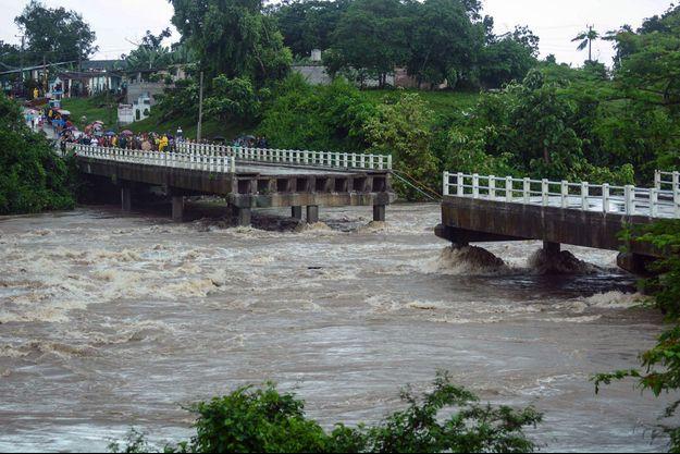 Les inondations à Cuba ont provoqué la mort d'au moins sept personnes.