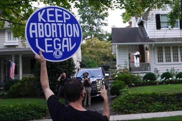 Manifestation devant le domicile du juge de la Cour suprême Brett Kavanaugh, dans le Maryland, le 13 septembre 2021.