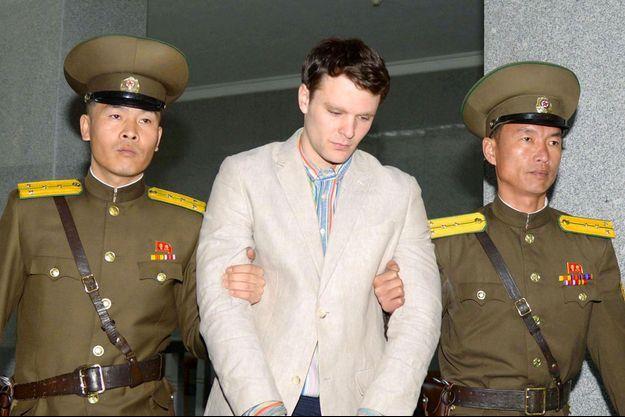 Otto Warmbier à Pyongyang, lors de son procès en mars 2016.