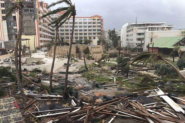 Vue de l'île de Saint-Martin détruite après le passage de l'ouragan Irma.