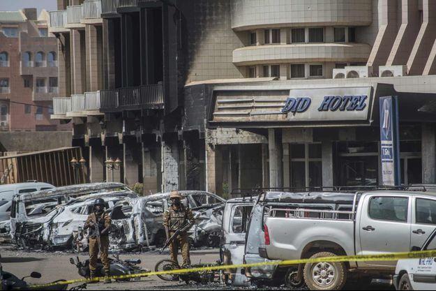 Voici ce qu'il reste de l'hôtel Splendid après l'attaque.