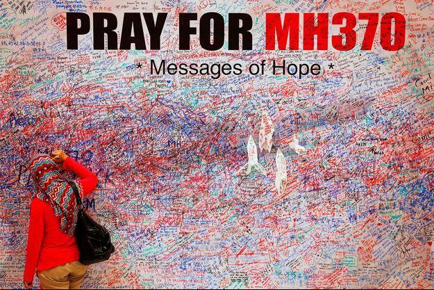 Des messages pour les victimes MH370 à Kuala Lumpur.