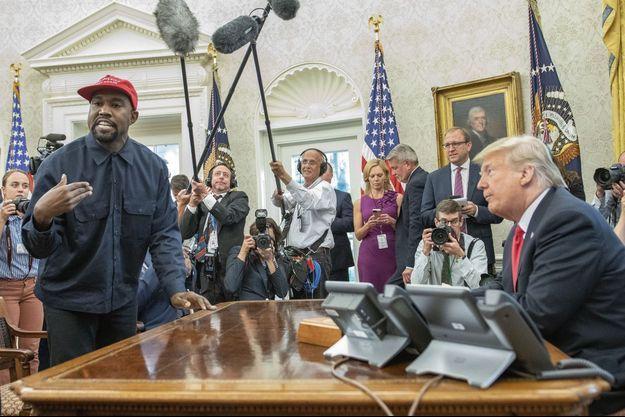 Le 11 octobre, le plus « trumpien » des rappeurs, Kanye West, dans un monologue décousu, chante la gloire de Donald Trump.