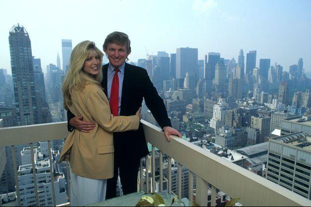 Donald Trump et Marla Maples au sommet du Trump Palace.