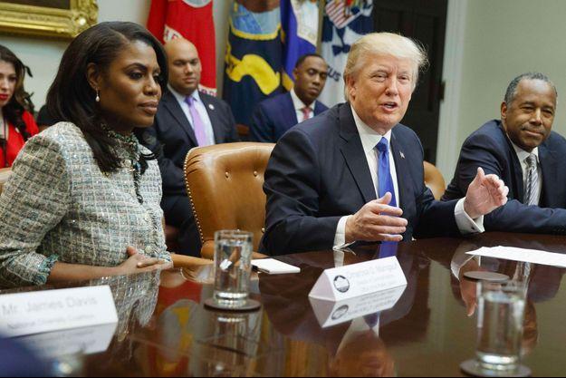 Omarosa Manigault-Newman et Donald Trump, le 1er février 2017, à la Maison Blanche.