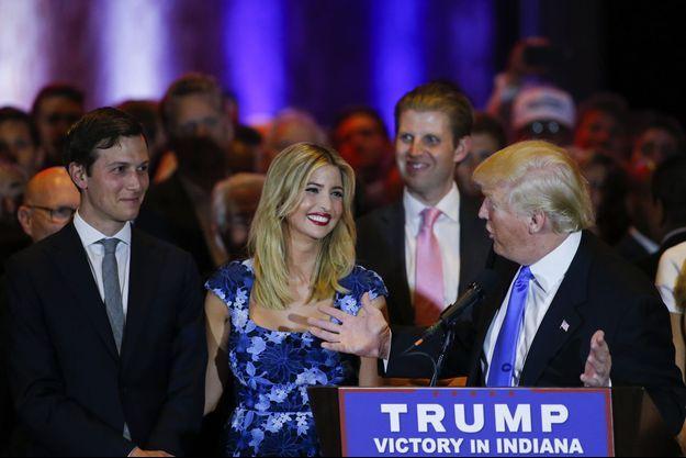 Jared Kushner, Ivanka Trump et Donald Trump à New York, en mai 2016.