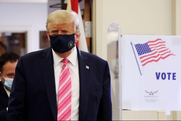 Donald Trump au bureau de vote, le 24 octobre 2020.
